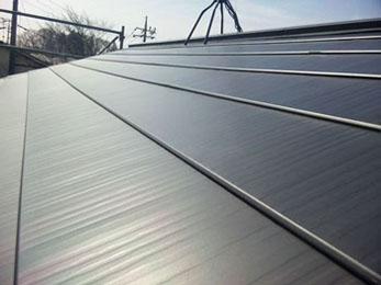 セメント瓦より軽く安い屋根材を使用していただいたので、安全面だけでなく価格面でも満足です!